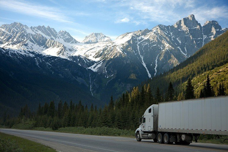 What Does Dry Van Trailer Rental Entails for Individuals and Businesses?
