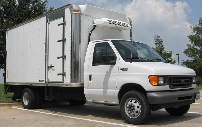 How much does it cost to lease a refrigerated van?