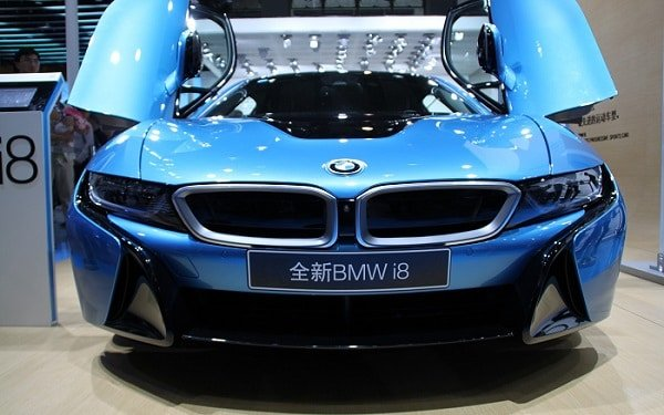 How much is it to rent a BMW i8 for a weekend?