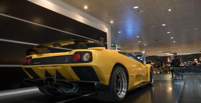 Can Pilots Afford Lamborghinis Cars or SUVs?